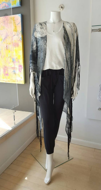 Our latest kimono obsession today is by Elizabeth Gillett
